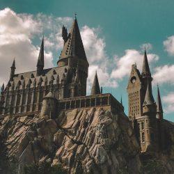 hogwarts-4843724_1920